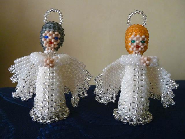 Ангелочек из бисера объемный